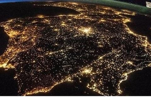 Federación de Polígonos Industriales de Asturias - LA CONTAMINACIÓN LUMÍNICA SIGUE CRECIENDO - Federación de Polígonos Industriales de Asturias